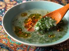 絶品! 女王クレオパトラが愛したモロヘイヤのスープの作り方 | FOODIE(フーディー)