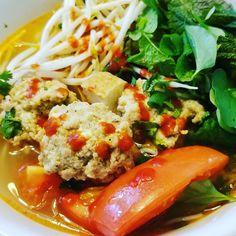 Mom cooking. #vietnamese #dish #bunrieu #pork #crab #shrimp #noodle #tomatoes #egg #vegetable #beansprouts #basil #momcooking #bemaifoodie