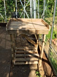 Potting Table (made with 3 pallets)   1001 Pallets