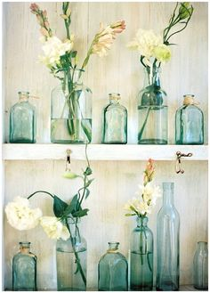 8 Energetic Tips: Vases Arrangements Wedding wooden vases shabby chic.Vases Ideas How To Make metal vases bouquets.Vases Ideas How To Make. Vintage Bathroom Decor, Vintage Decor, Vintage Bathrooms, Vintage Style, Vintage Green, Green Bathroom Decor, Green Bathroom Accessories, Vintage Porch, Vintage Room
