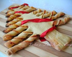Albero di Natale alla pizza Tapas, New Years Day Meal, Salty Foods, Xmas Food, Antipasto, Food Design, Food Art, Italian Recipes, Cake Recipes