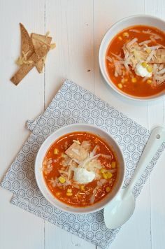 Mexican bean soup with tortilla stalks - WDF Mexican Food Recipes, Soup Recipes, Ethnic Recipes, Mexican Bean Soup, Mexican Dinner Party, Low Carb Recipes, Healthy Recipes, Healthy Food, A Food