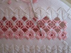 Hardanger Types Of Embroidery, Learn Embroidery, Hand Embroidery Stitches, Embroidery Techniques, Embroidery Designs, Smocking Patterns, Sewing Patterns, Bordado Popular, Drawn Thread