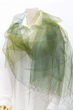 """巻き方によって表情を変えるシルクオーガンジースカーフ 軽やかで美しい「手織り・手染め」アイテム シルクスカーフ """"花衣"""" <森のグラデーション> http://www.eyes-japan.co.jp/s-collection/new/2016/10/post-923.html #シルクスカーフ #シルクオーガンジー #シルクストール #シルク #花衣 #森のグラデーション #グラデーション #手織り #手染め #大振り #プレゼント #冷房対策"""