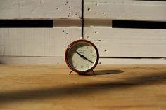 Reloj despertador rojo Timemaster 35,00 € Reloj despertador de cuerda color rojo, marca Timemaster, fabricado en Alemania en la década de 1960.