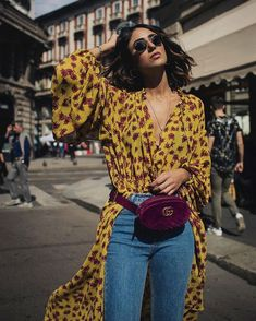 How To Wear Belts . - Discover how to make the belt the ideal complement to enhance your figure. Womens Fashion Online, Latest Fashion For Women, Look Fashion, Fashion Outfits, Fashion Trends, How To Wear Belts, Vetement Fashion, Trendy Swimwear, Casual Chic