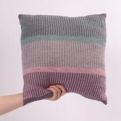 Scotland Cushion from Fair Isle Knitting Patterns, Knitting Stitches, Hand Knitting, Knitted Cushion Covers, Knitted Cushions, Minecraft Knitting, Fair Isles, Knit Or Crochet, Crochet Granny