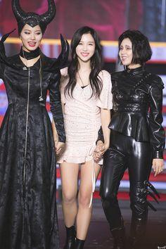 191020 tzuyu, mina, chaeyoung - Twice - Nayeon, K Pop, South Korean Girls, Korean Girl Groups, Tzuyu Body, Twice Chaeyoung, Twice Tzuyu, Twice Korean, Twice Jihyo