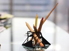 Deconstruction Pen Holder by Alharith