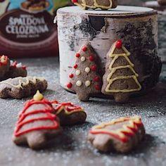 Vánoční pečení se špaldovou moukou– Novinky.cz Pesto, Dairy, Xmas, Cheese, Food, Weihnachten, Navidad, Meals, Christmas