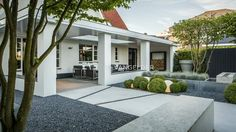 Terrace by ERIK VAN GELDER | Devoted to Garden Design
