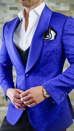 S by Sebastian Royal Blue Paisley Dinner Jacket is part of Dinner jacket Royal Blue Designer Paisley Jacket Satin Shawl Collar FullCanvas Construction Single Button Closure Soft, natural should - Blazer Outfits Men, Blazer Fashion, Mens Fashion Suits, Men's Fashion, Woman Outfits, Fashion Boots, Dinner Outfit Classy, Dinner Outfits, Casual Dinner