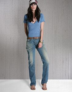 Just a t-shirt and jeans kinda girl. Minus the hair down this is my style on the daily.