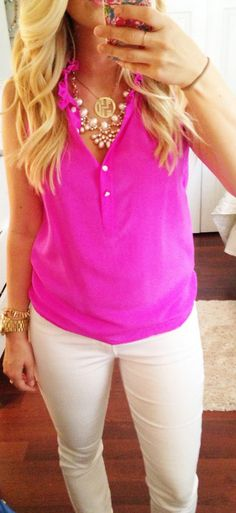 Hot pink top & white pants for summer Looks Chic, Looks Style, Look Fashion, Fashion Beauty, Womens Fashion, Fashion Ideas, Fashion Outfits, Petite Fashion, Curvy Fashion