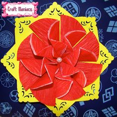 Learn how to make this beautiful circle zigzag at.....Aprende a hacer este lindo zigzag de circulos en....http://craftmaniacss.blogspot.jp/2013/02/tea-bag-folding-1-zigzag-with-circles.html