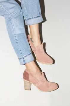 No.6 Stacked Heel Loafer in Champagne / Melanzana