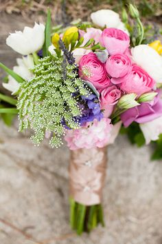 beautiful bright bouquet! Photo by Love Light Images.