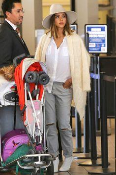 Jessica Alba's Stroller Street Style | T.S.A. meet M.O.M.