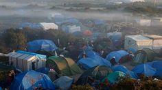 Rund 3000 Flüchtlinge kampieren bei Calais.