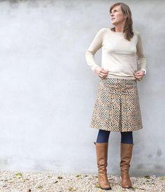 Dear Stella fabric skirt (DIY)