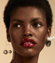 Amilna Estevão by Olivia Malone Makeup For Black Skin, Red Lips Makeup Look, Makeup For Brown Eyes, Makeup Looks, Dark Red Lips, Glossy Lips, Eyeshadow Makeup, Gray Eyeshadow, Makeup Younique