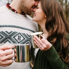 A cozy winter engagement session from photography studio High Five for Love