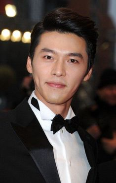 Hyun Bin 현빈 What a man, what a man, what a mighty fine man! Asian Actors, Korean Actresses, Korean Actors, Actors & Actresses, Song Hye Kyo, Song Joong Ki, Hyun Bin, Drama Funny, Kdrama Actors