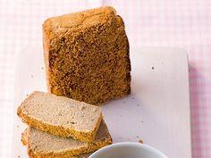 Ob als Beilage, in Aufläufen oder in einer Gemüsepfanne - die Zubereitung von Quinoa ist schnell und unkompliziert. Wir verarbeiten das Superfood diesmal zu einem leckeren, glutenfreien Brot. Wie das funktioniert, erfahren Sie hier.