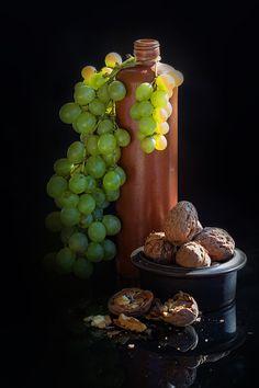 Фотография White grapes (2) автор Rucsandra Calin на 500px