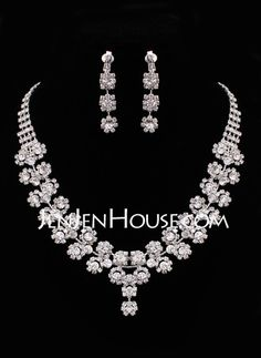 Jewelry - $32.99 - Jewelry (Faddish Two Piece Ladies'  Jewelry Set 011005481) http://jenjenhouse.com/Jewelry-Faddish-Two-Piece-Ladies-Jewelry-Set-011005481-g5481