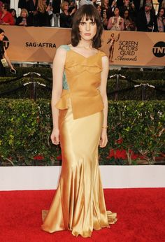 Hari Nef Hari Nef, Trans Gender, Androgynous, Awards, Actors, Formal Dresses, Image, Fashion, Formal Gowns