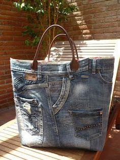 Cool looking jean bag!  Wouldn't be that hard to make