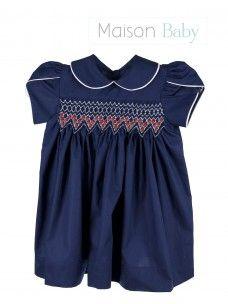 Vestido ponto smock - Betty. Dress with smock embroidery #maisonbaby #vestidoinfantil #vestidopontsmock #babydress #smockembroiderydress