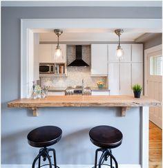 Bancada tipo janela na cozinha para a sala