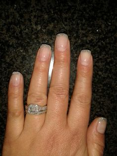 Short glitter acrylic nails