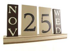 Wooden Cream & Brown Tile Calendar Perpetual Block Date Desk Organiser