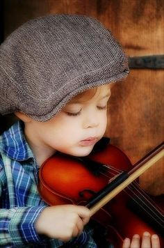 The violinist - photo by shelbi lynn photography - Too cute! Precious Children, Beautiful Children, Beautiful Babies, Happy Children, Cute Kids, Cute Babies, Baby Kids, Little People, Little Boys