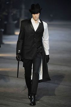 Google Image Result for http://exshoesme.com/wp-content/uploads/2009/05/mcqueen-mens-bw-fw09.jpg