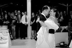 Emozioni al matrimonio. Gli attimi più belli del giorno delle nozze. Il ballo degli sposi.
