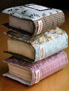 Original pillows with patterns. Original cushion with patterns ~ Cute Pillows, Baby Pillows, Kids Pillows, Throw Pillows, Fabric Crafts, Sewing Crafts, Sewing Projects, Pillow Crafts, Diy And Crafts
