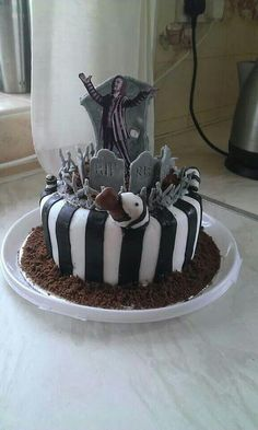 Beetlejuice Cake Yum Pinterest Beetlejuice And Cakes