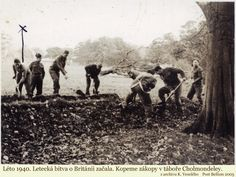 Czechoslovak soldiers dig trenches in Cholmondeley camp. Catholic Priest, Never Again, Paratrooper, About Uk, Wwii, Britain, Military, Camping, History
