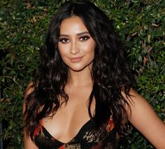 Shay Mitchell Calls Her Gray Hairs 'Wisdom Hairs,' Plus, the One Hair Product That's Her Secret Weapon