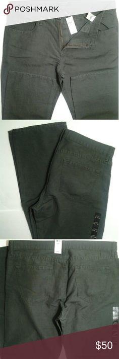 Men Banana Republic Pants Men's Banana Republic Vintage Straight Pants 53% Linen  47% cotton... Size 35x34... NWT / NEW WITH TAG. ..  $20 Savings. ... Banana Republic Pants