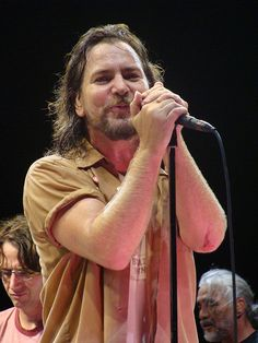 Eddie Vedder sings happy birthday to his brothers at Montrose Harbor party Generous sponsors for Thursday's Hot Stove Cool Music benefit concert at Metro, featuring Eddie Vedder, were treated to a. Pearl Jam Toronto, Mookie Blaylock, Pearl Jam Eddie Vedder, Amazing Songs, Rock Concert, Best Fan, Him Band, Stevie Nicks, Dream Guy