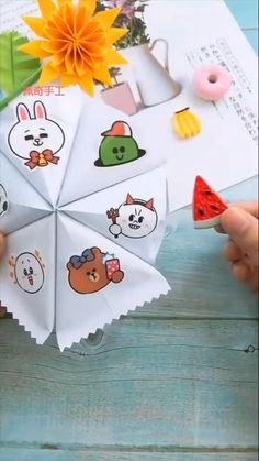 Hand Crafts For Kids, Toddler Arts And Crafts, Fun Diy Crafts, Decor Crafts, Paper Crafts, Diy Birthday Gifts For Friends, Birthday Gifts For Boyfriend Diy, Handmade Birthday Cards, Origami Pencil Holder