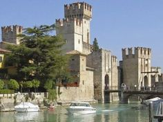 Sirmione | il Castello  #Sirmione #LagodiGarda #LakeGarda #Gardasee #LacdeGarde