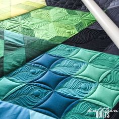 Guys, I seriously had just the most fun quilting this one.  The gravity quilt is all solids, meaning that quilting can really show up well on it. And look awesome The circles and the basket weave I us