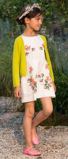 say 'yes' to mixing bold colors with classic florals! Minimoda.es #estella #kids #fashion
