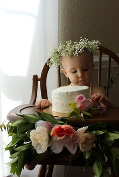 My sweet Rollins turned one last October. Now that she's 15 months old, I guess it's time I finally share some of her first birthday party details with you guys. Like all of my parties, I like to pick a theme that isn't super commercialized so I can personalize it a little more. Auden had a pumpki